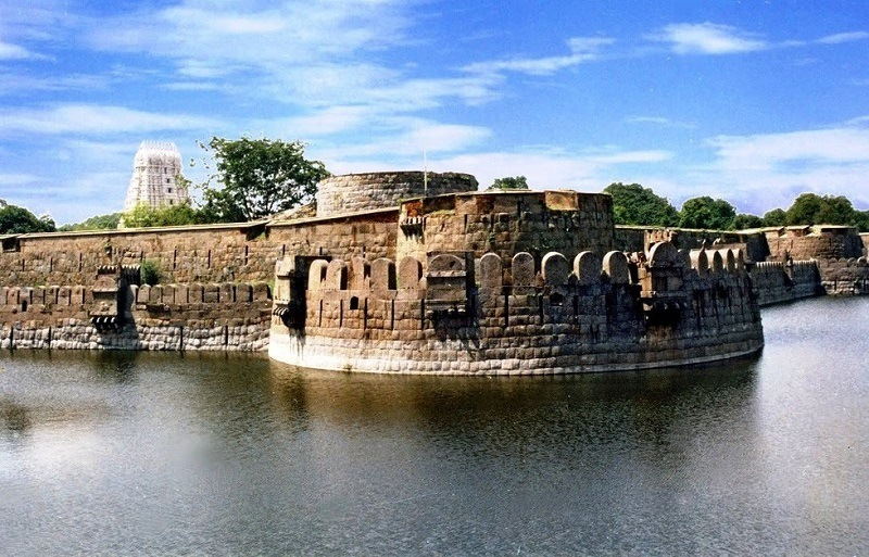 548011903vellore fort main